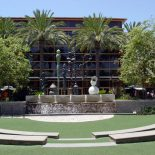 Bella Terra provides free concerts and events at their amphitheater in Huntington Beach all year round.