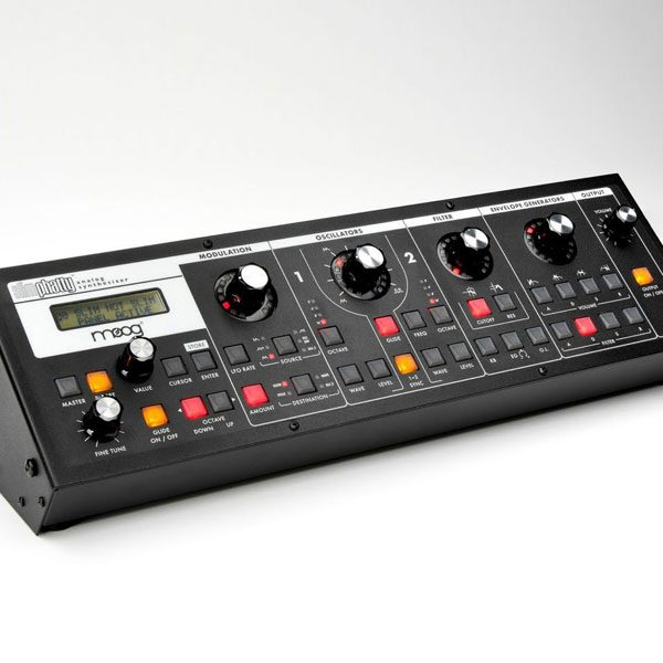 slimphatty moog synthesizer 600 on mikesgig.com