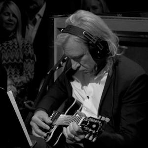 Joe-Walsh-McCartney-iTunes-1-on-mikesgig.com